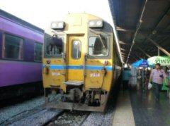 ジーゼル特急列車(スプリンター)・バンコク中央駅