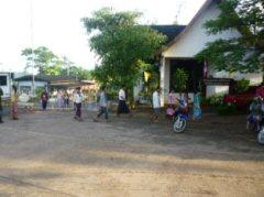 タイ—ミャンマー両国の検問所(現地人はフリーで通行可)