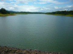 チュラポーンダムの全貌(堰堤から)